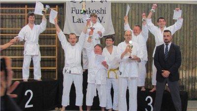 Team Lebenshilfe erfolgreich im Karate .