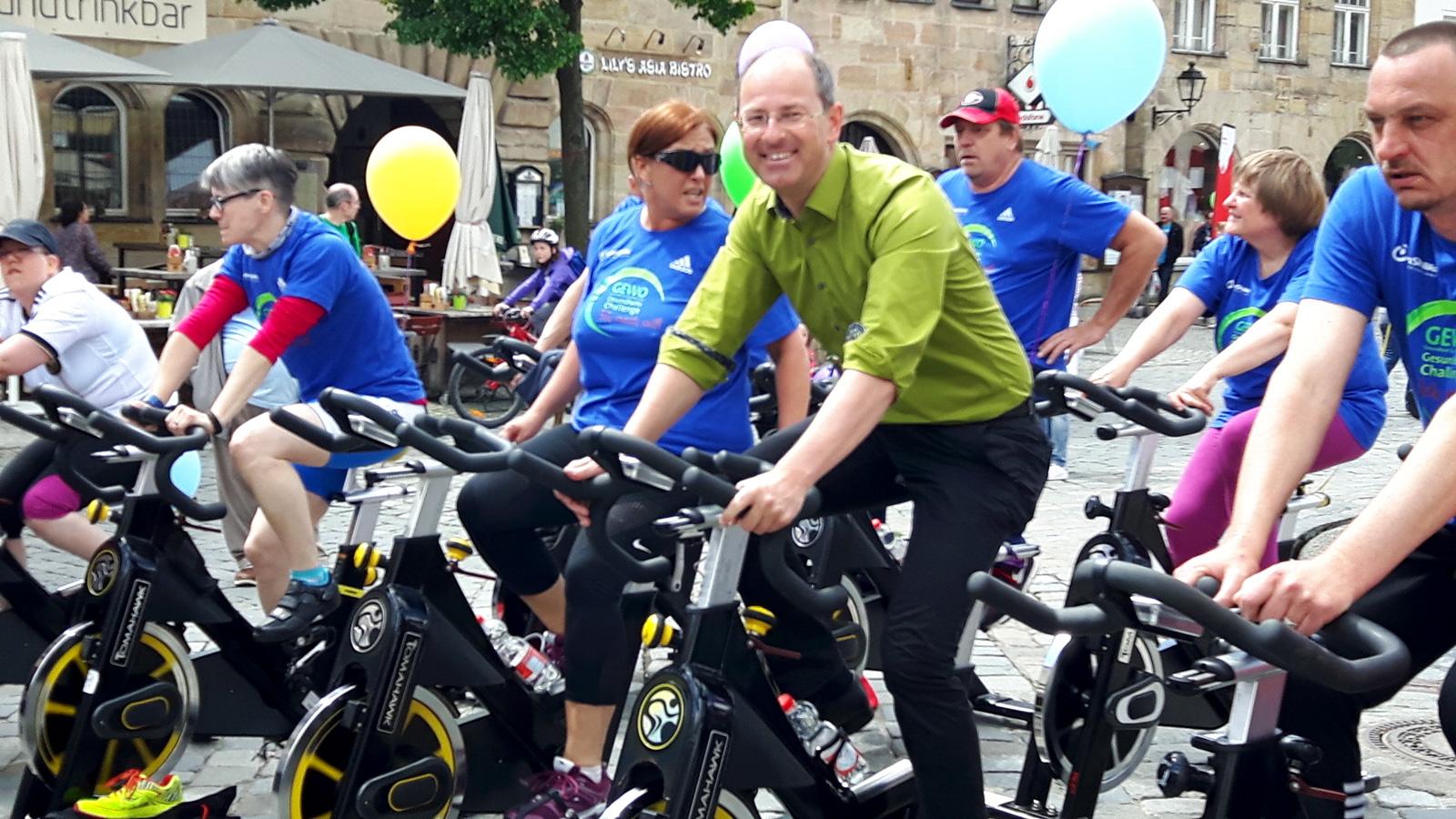 Radelte bei der Abschlussveranstaltung der Gesundheits-Challenge inklusiv mit: Lauf's 1. Bürgermeister Benedikt Bisping
