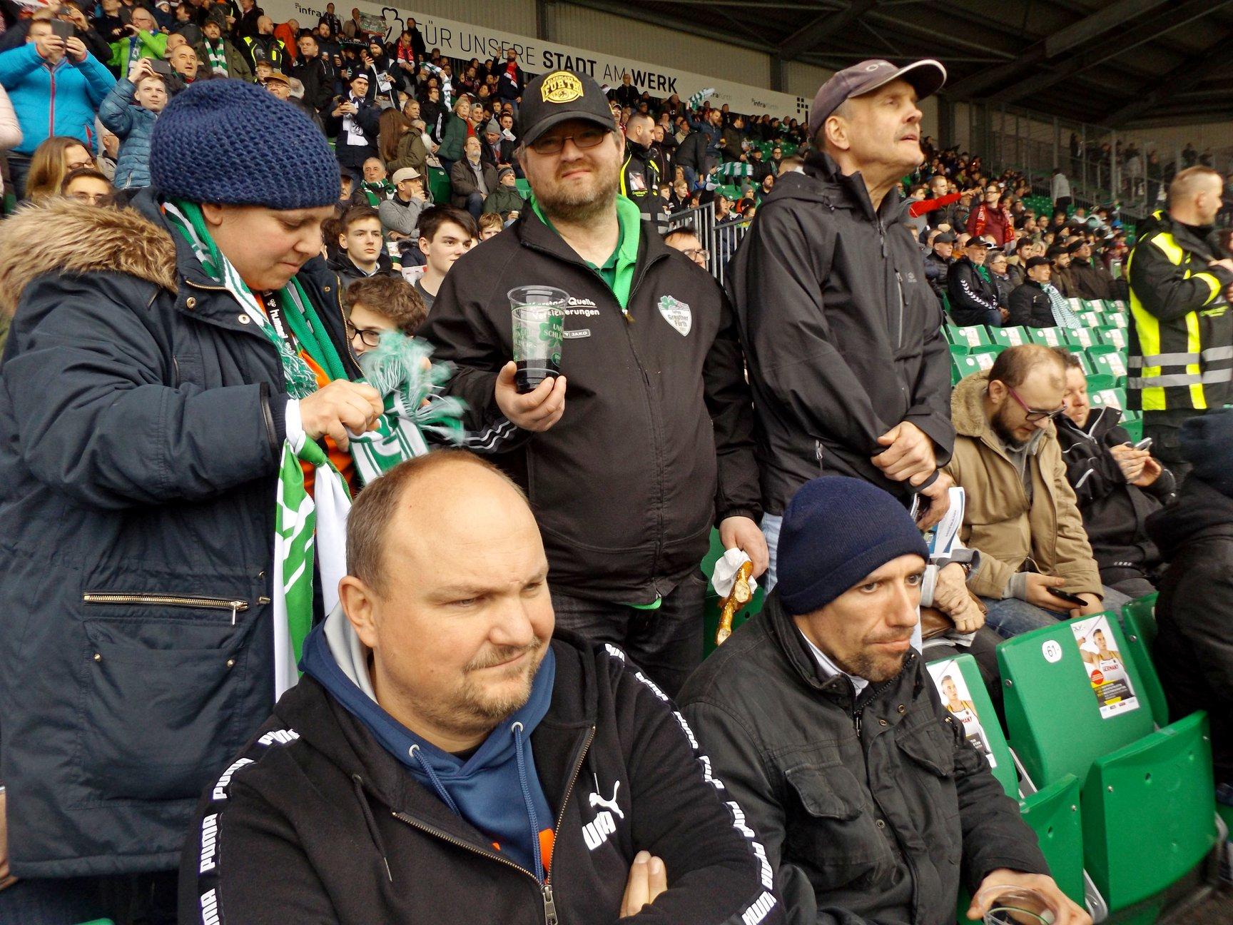 Im Stadion ... hier ist jeder einfach Fan. Inklusion ohne Wenn und Aber.