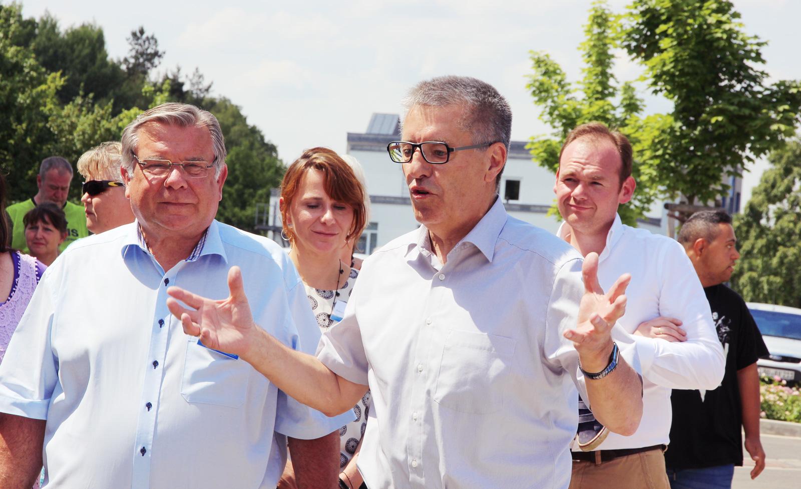 Altdorfs 1. Bürgermeister Erich Odörfer freute sich über den Kneipp-Brunnen für Altdorf.