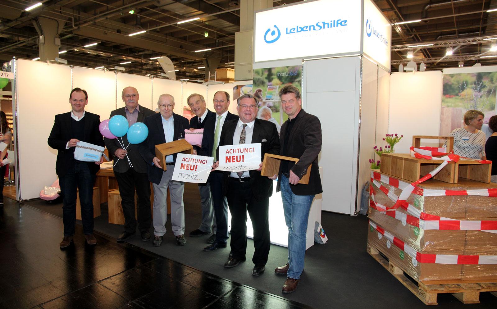 vlnr: Dennis Kummarnitzky, Hans-Manfred Wolf, Günther Spieß, Wolfgang Franz, 1. Bgm. Benedikt Bisping, Lauf, Gerhard John und Clemens Schramm.