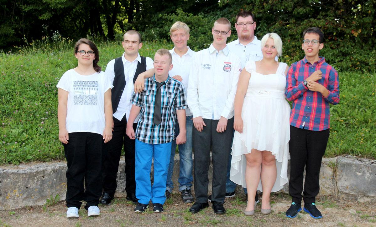 Die Absolventen 2017 der Dr. Bernhard Leniger erhielten ihre Abschlusszeugnisse. Eine spannende Zukunft erwartet die jungen Erwachsenen, die beruflich in den Förderstätten, den Moritzberg-Werkstätten sowie auf dem regulären Arbeitsmarkt durchstarten.