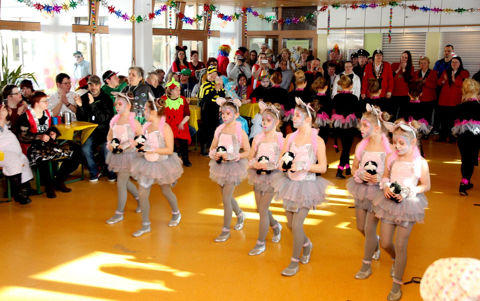 Jecke Stimmung dank exzellenter Tanzeinalgen von und mit Hilaritas.