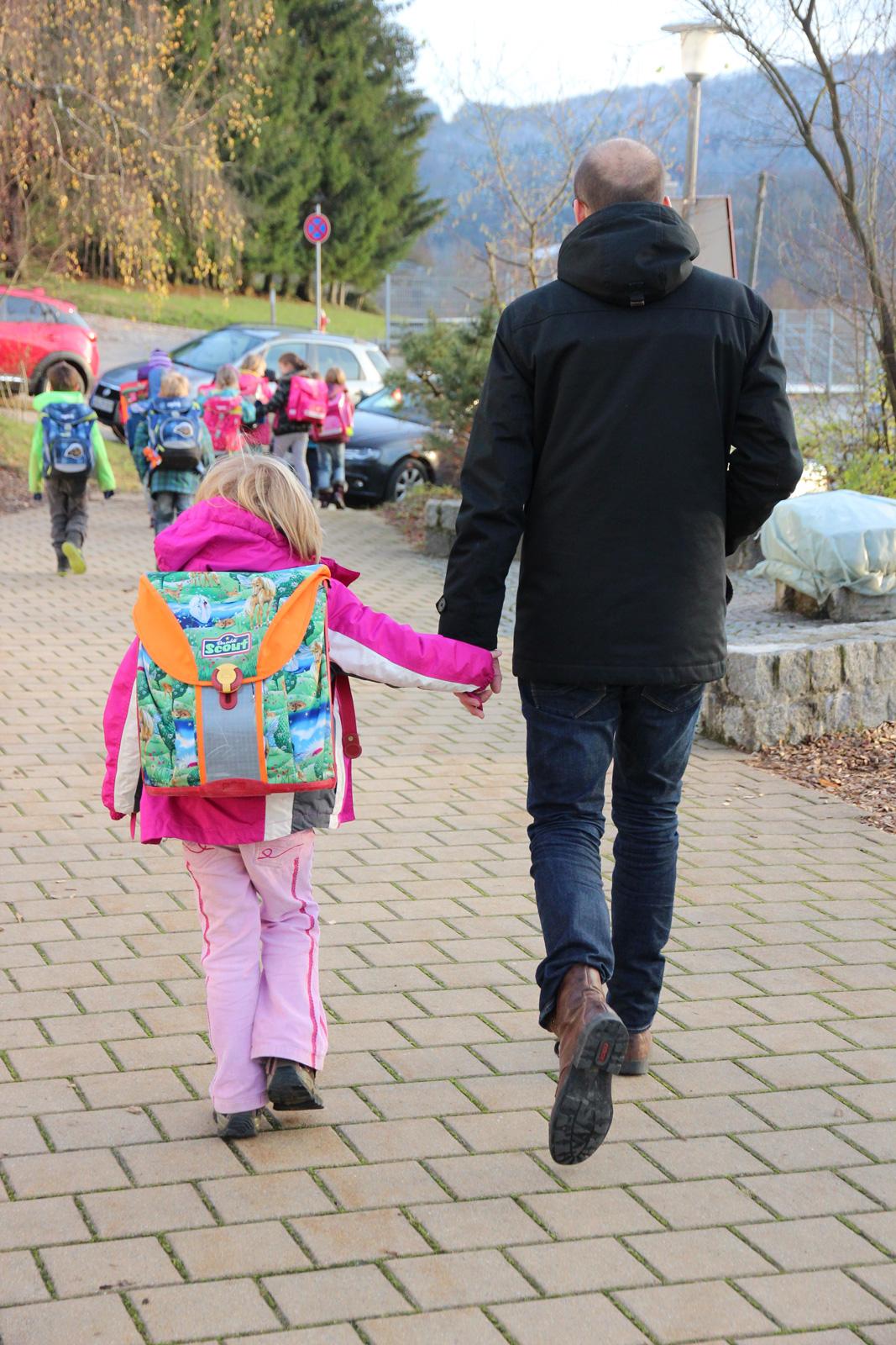Begleitet inhaltlich, hält Kontakt und fördert das Schulkind: Schulstarthelfer Philip Minkenberg