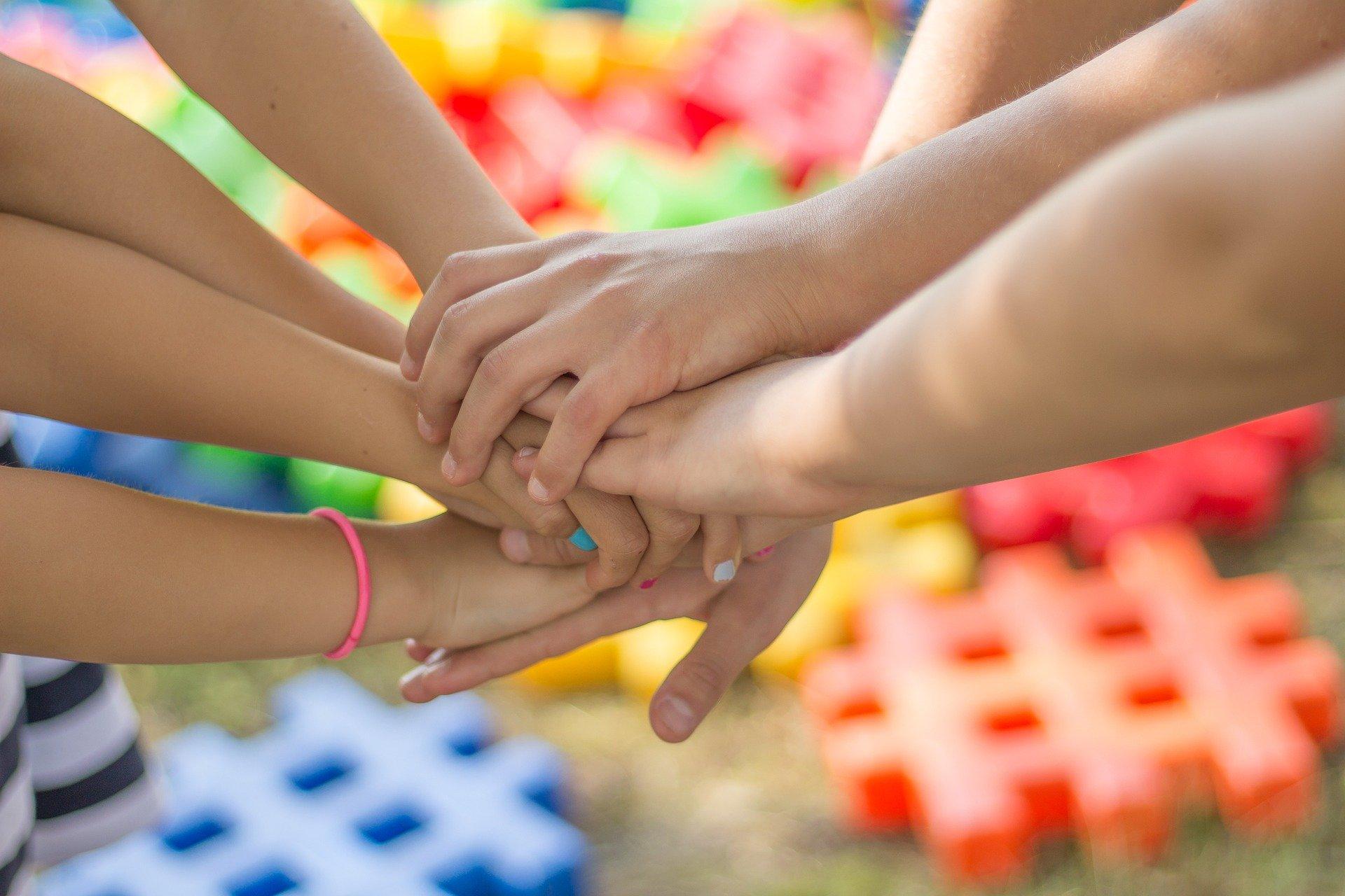 Am 12. Mai ist Internationaler Tag der Pflege. Lebenshilfe Bayern mahnt wegen geplanter Pflegereform. – Lebenshilfe Nürnberger Land bietet Verhinderungspflege und Kurzzeitpflege (FED).