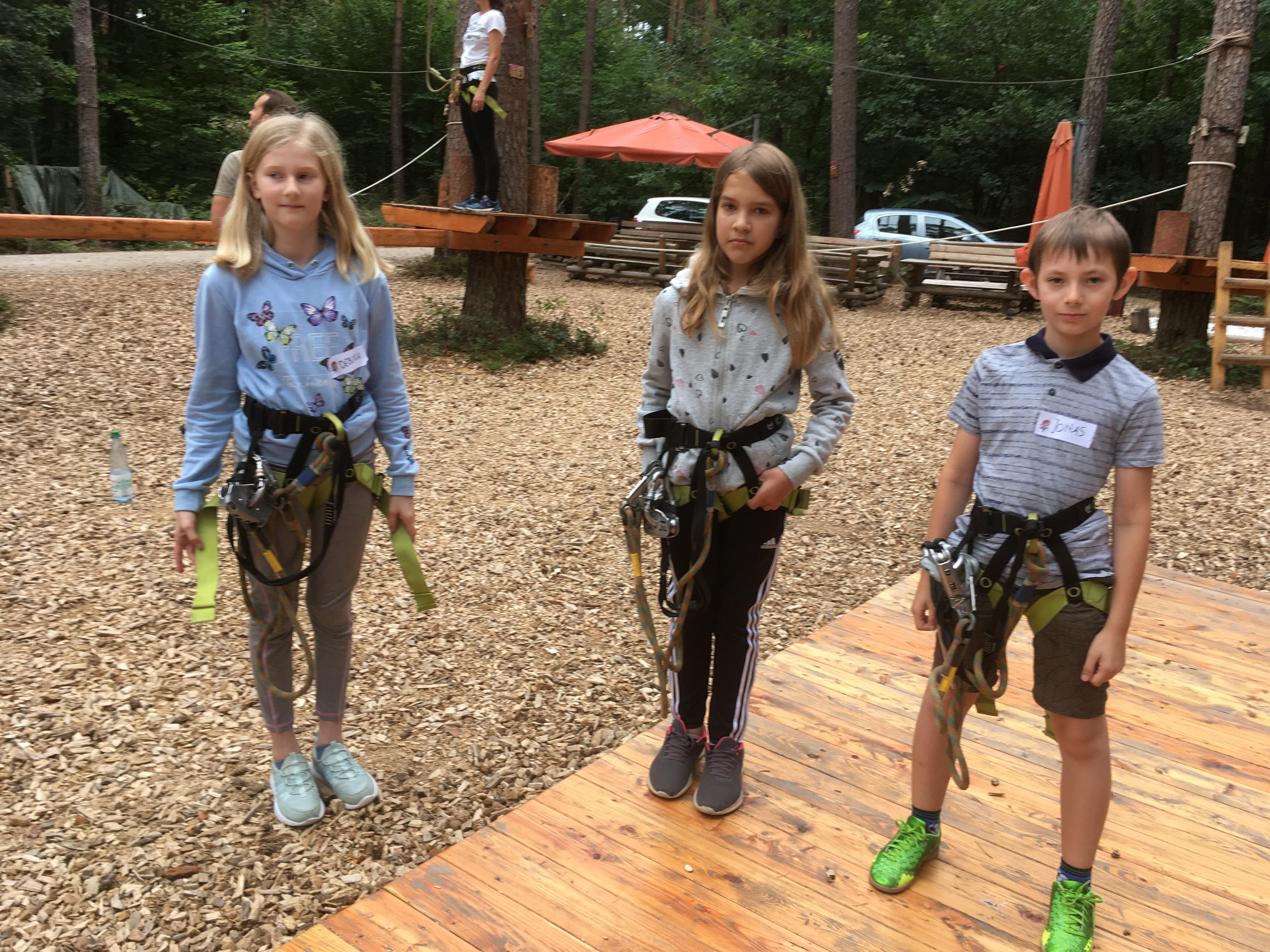 Geschwisterkinder-Projekt kommt gut an. Der Ausflug zum Hochseilgarten kam bei den Teilnehmerinnen und Teilnehmern gut an.