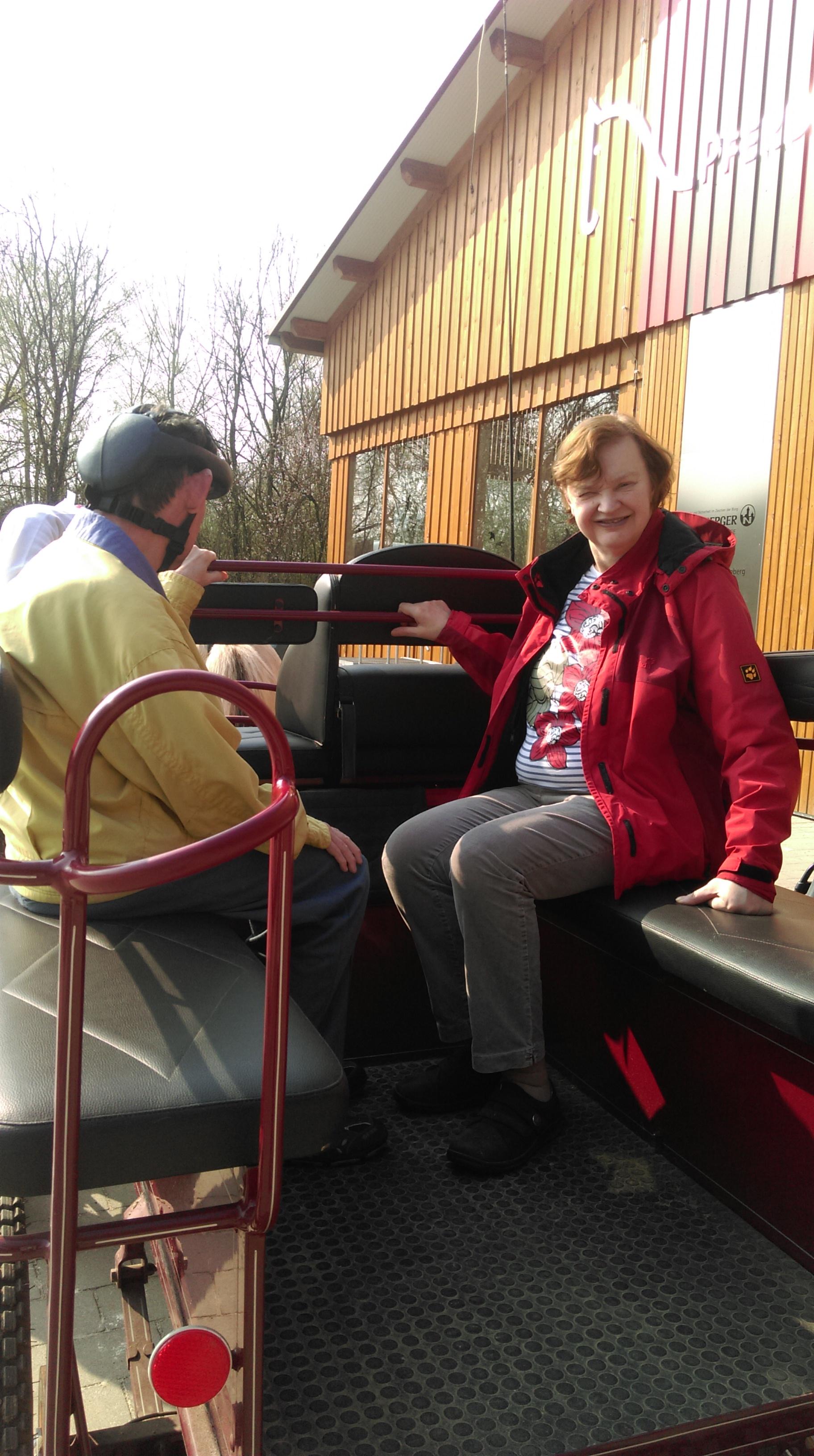 Erlebnisreicher Ausflug: TENE-Senioren genossen Kutschfahrt