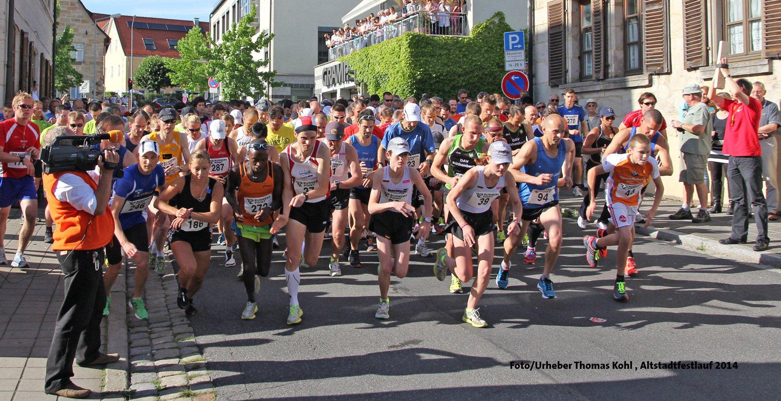 Zum 20. Mal: Jubiläums-Altstadtfestlauf startet am 22.6.2018, 18 Uhr in Lauf, Nürnberger Tor. Archivbild Thomas Kohl.