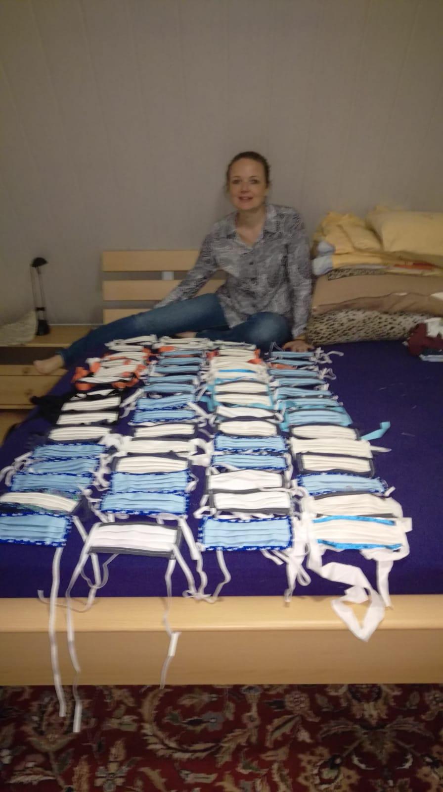 Frau Martini aus Zirndorf, 40 Masken