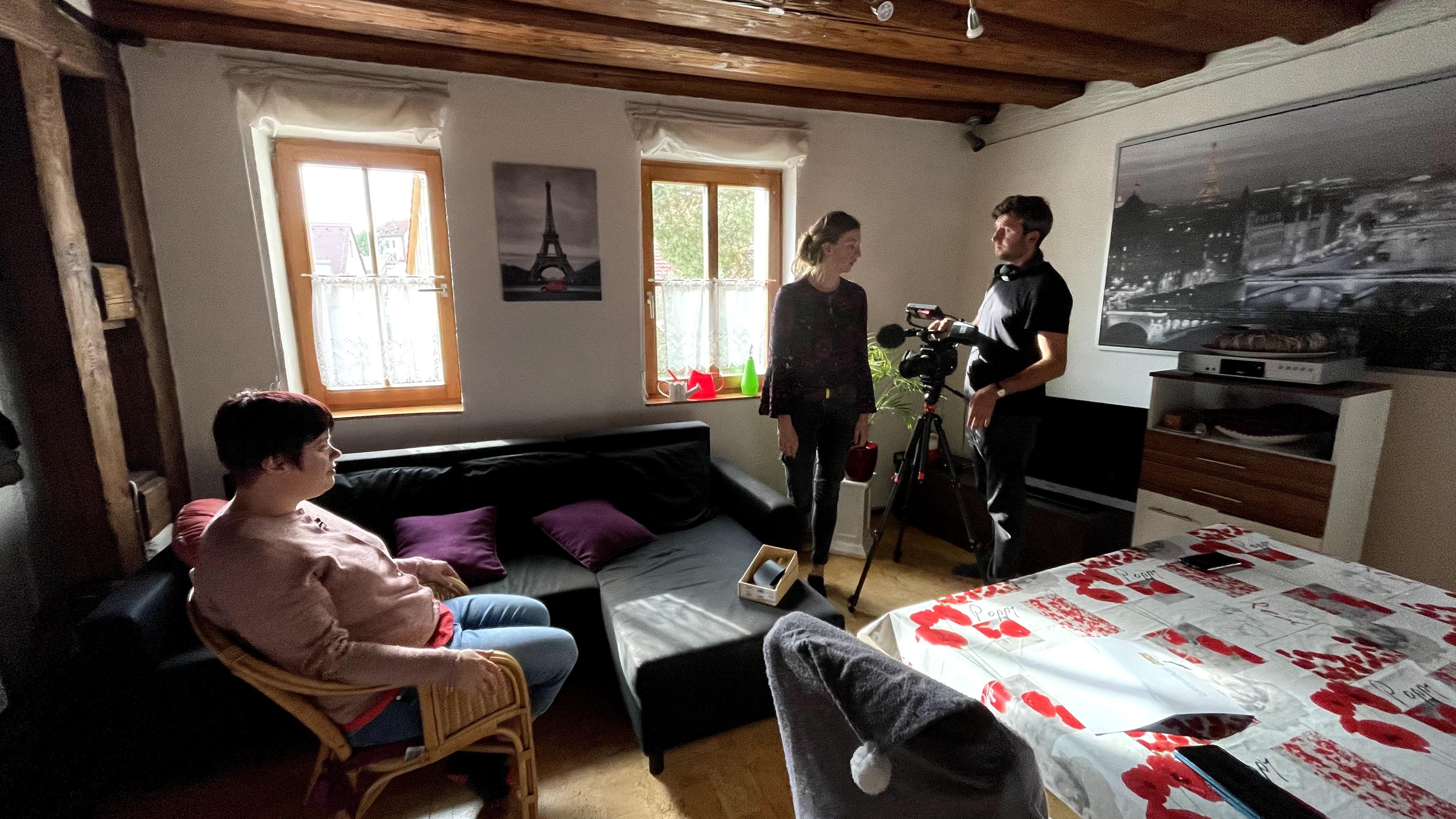 Auch Zuhause bei Hannah Kauschke wurde für die Reportage der DW gedreht. Wir danken an dieser Stelle Reporterin Luisa und Kameramann Grezgorz für deren gelungenen Beiträge vor Ort.