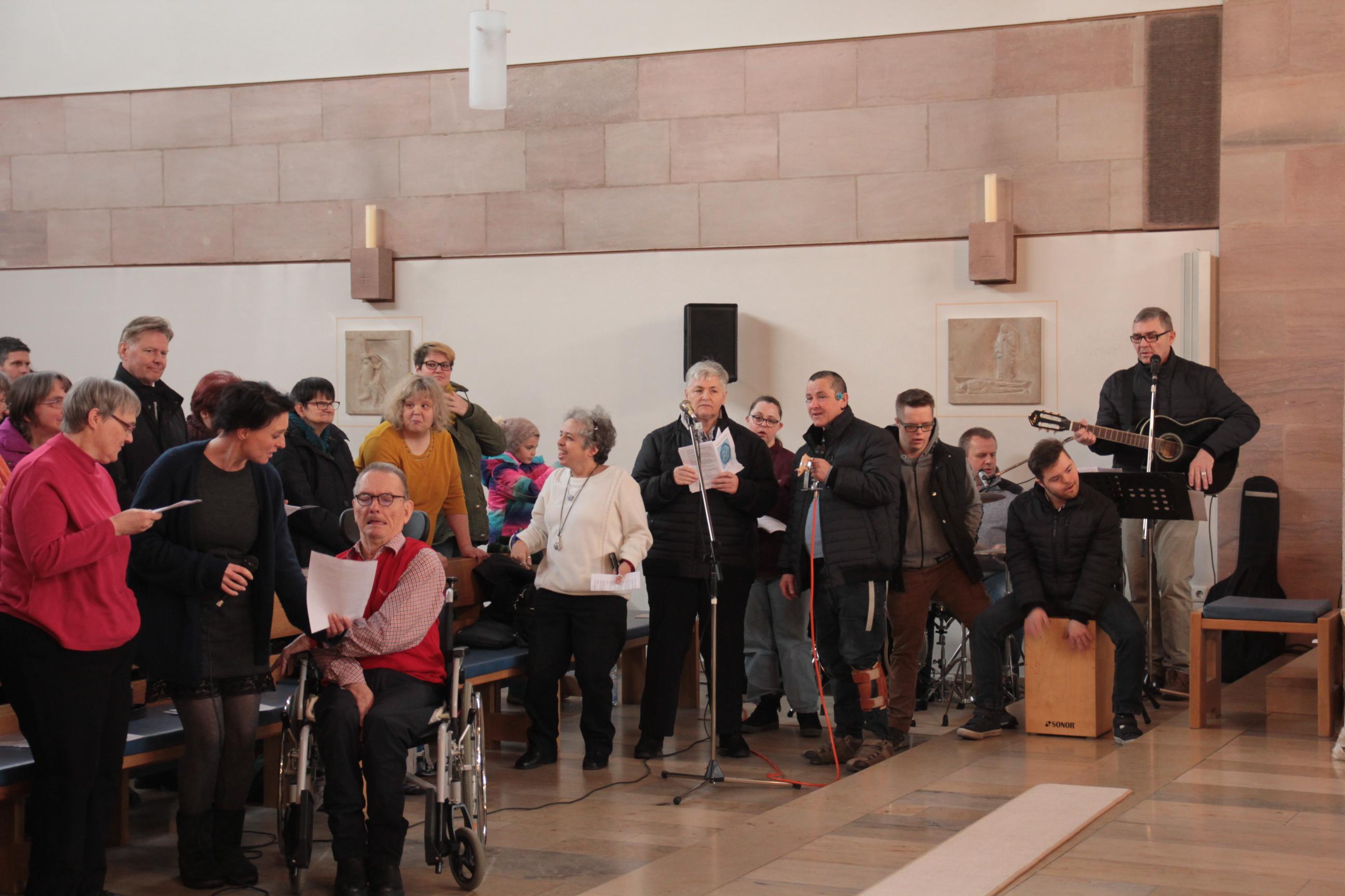Mitttendrin-Gottesdienst St. Otto mit den Schmetterlingen. Foto: St. Otto, Lauf.