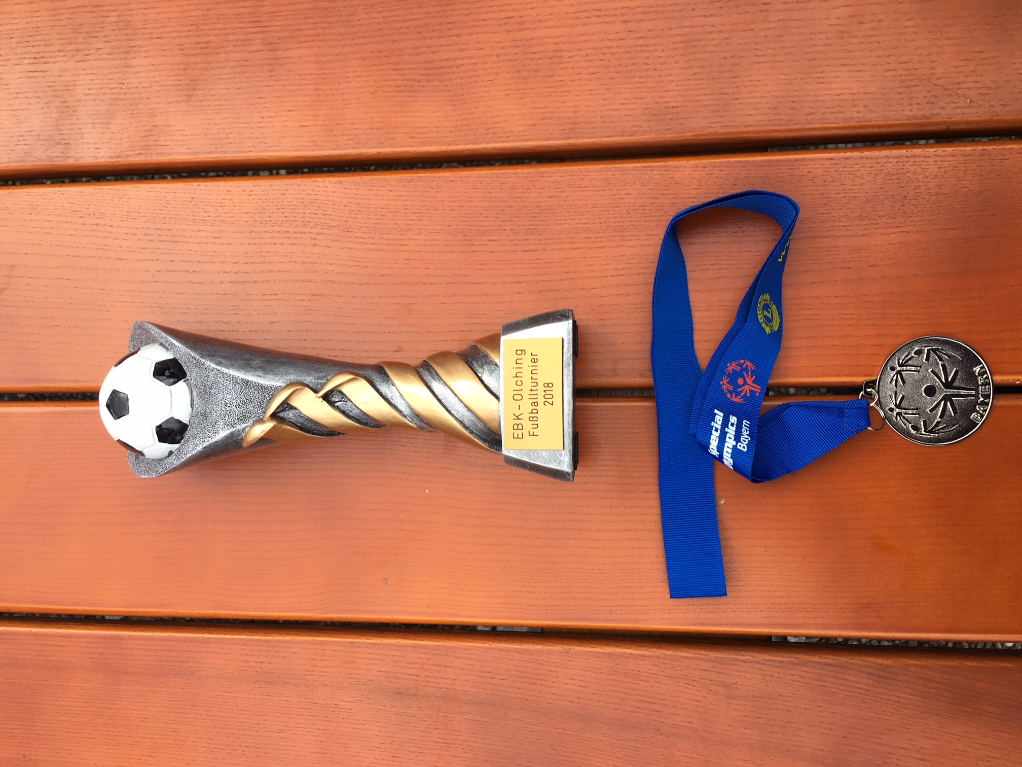 Starke Leistung: Kader der Moritzberg-Werkstätten belegte beim Turnier in Olching Platz 2. 14 Mannschaften traten an.