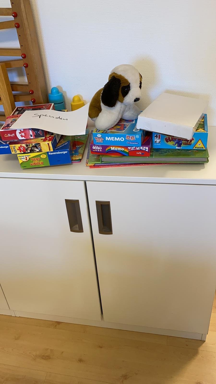 Danke für die Spenden. Bereits heute lieferten Mitarbeiter der Frühförderung erste Spielzeug-Carepakete aus!