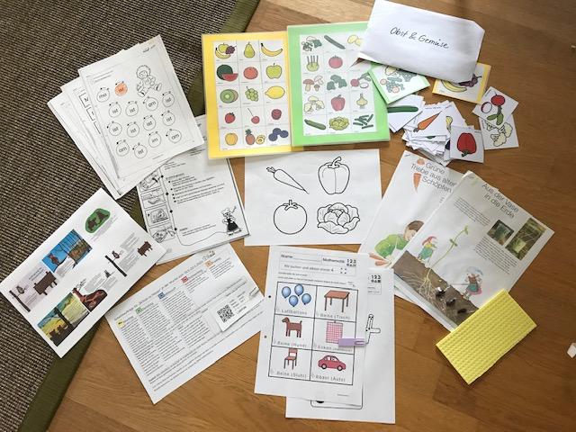 Für alle rund 110 Schülerinnen und Schüler der Dr. Bernhard Leniger Schule stellten Lehrkräfte individuell Aufgaben zusammen: Arbeitsblätter, Hörbeispiele und vieles mehr ...