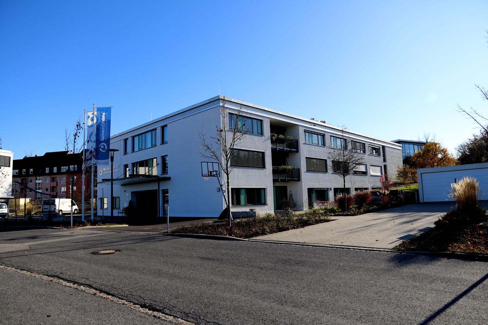 """Bis 2022 soll die """"Inklusive Wohnwelt"""" an der Fritz-Bauer-Straße in Altdorf aufgestockt werden. Der Verkauf der Grundstücke sichert der Lebenshilfe notwendiges Eigenkapital."""