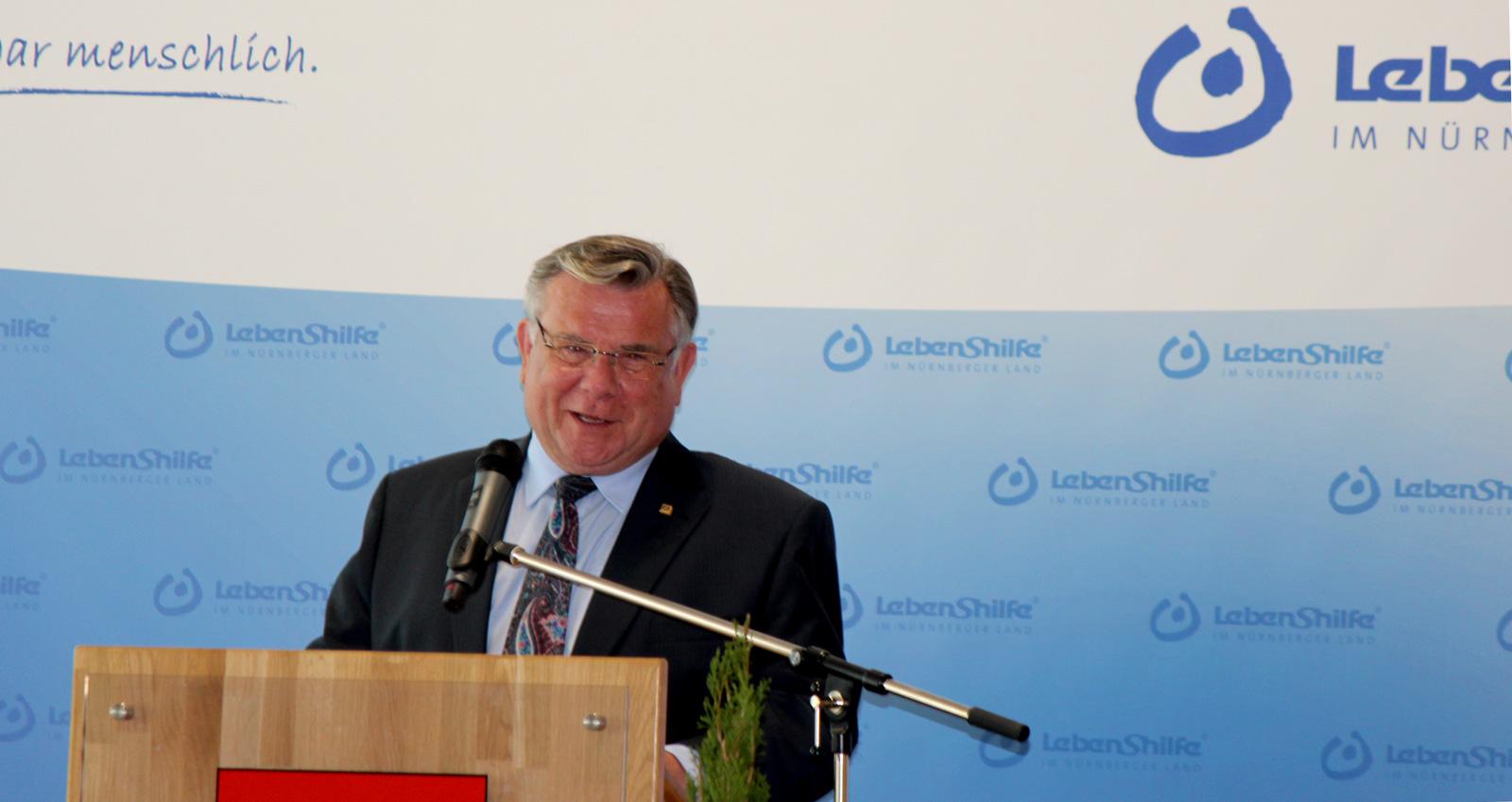 """Fördern, fördern, fördern"""" – das hat sich die Lebenshilfe Nürnberger Land auf die Fahnen geschrieben. Dies machte Vorsitzender Gerhard John beim Jahresempfang deutlich, der geprägt war vom 25-jährigen Jubiläum der inklusiven Kindertagesstätte in der Hersb"""