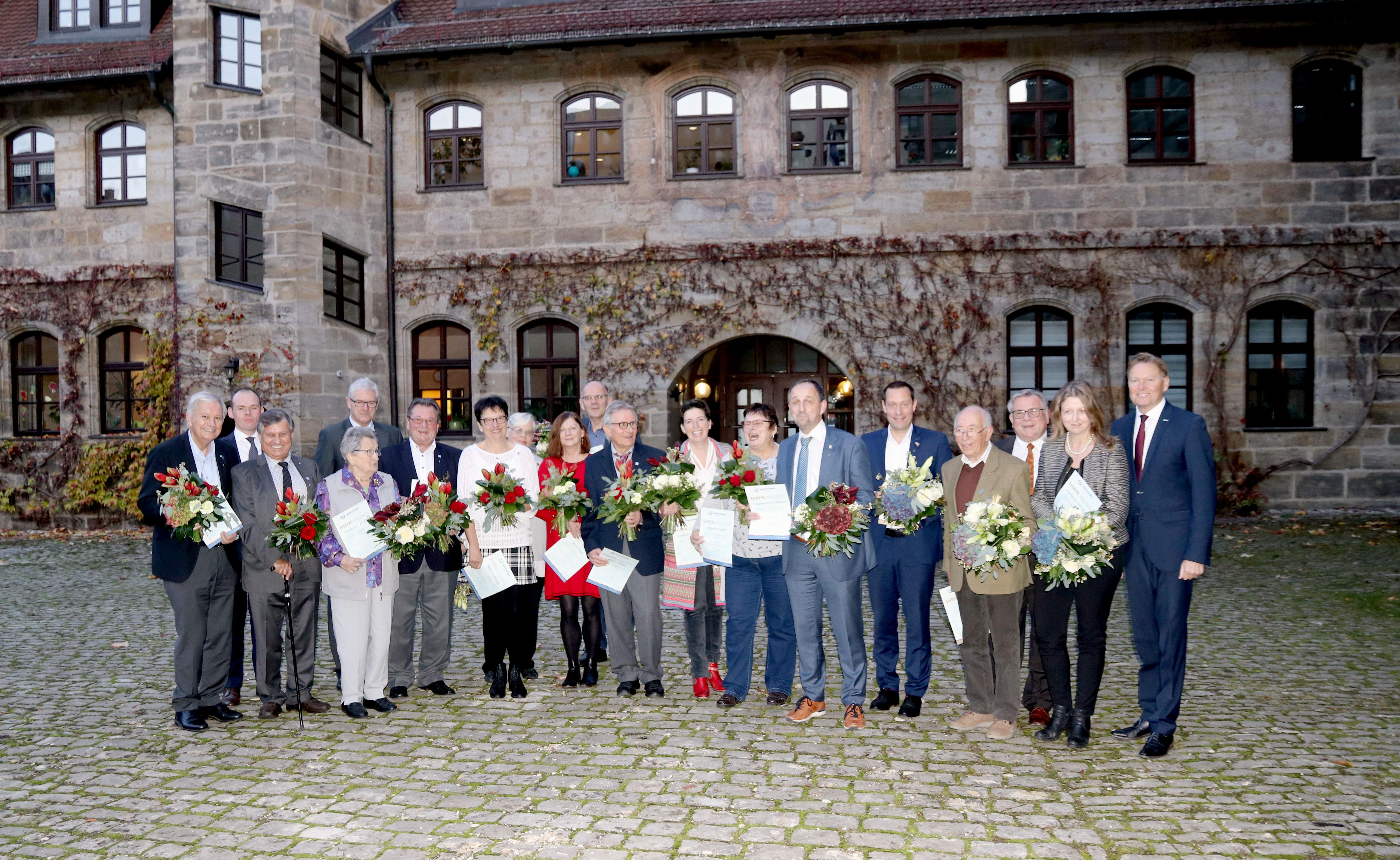 Ehrung langjähriger Mitglieder war Höhepunkt der Jubliäums-Jahreshauptversammlung Lebenshilfe Nürnberger Land