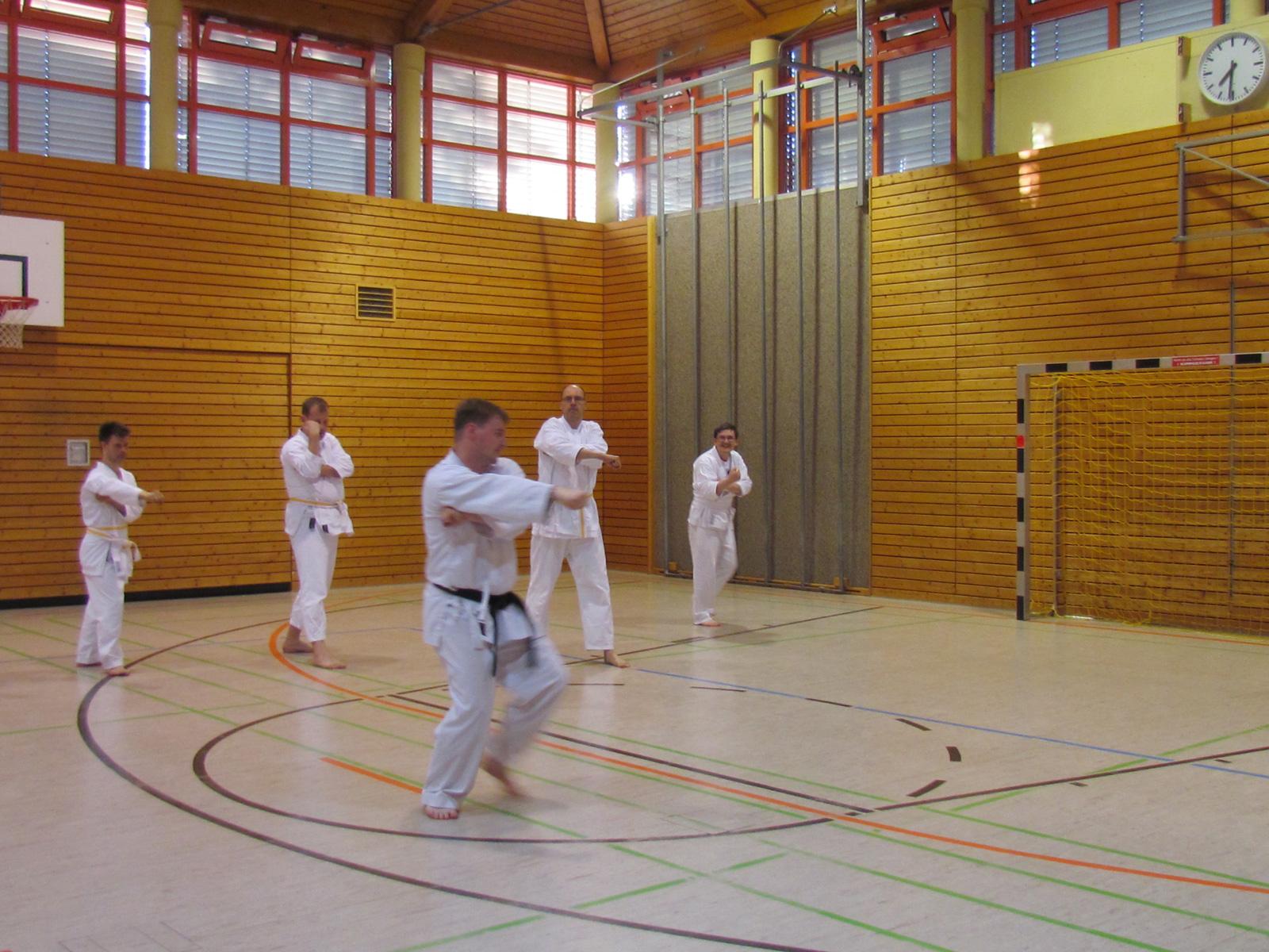 Funakoshi-Vorsitzender Daniel Gries hat für seine Karateschüler mit geistigem Handicap eine Kata für Menschen mit Behinderung entwickelt.