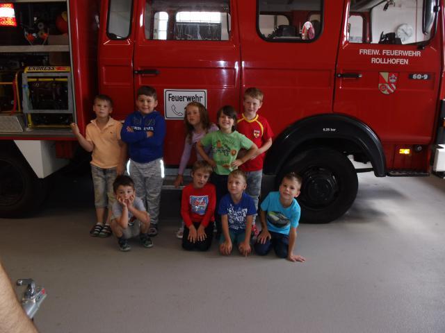 Kindergarten Rollhofen bei der Feuerwehr