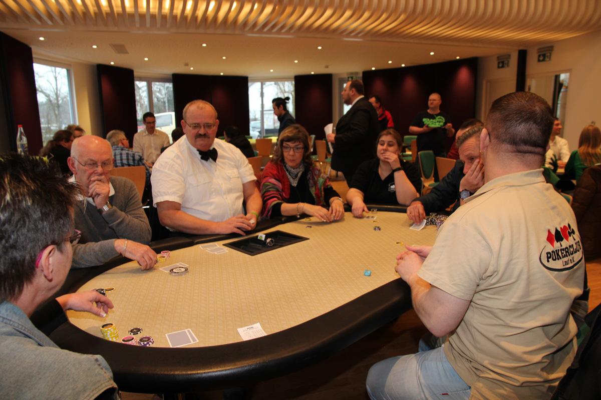 Spiel, Spaß und Spannung beim 2. Benefiz-Pokerturnier 2016 (Archivbild).