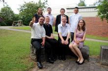 Die Absolventen 2016 der Dr. Bernhard Leniger erhielten jetzt ihre Abschlusszeugnisse. Eine spannende Zukunft erwartet die jungen Erwachsenen, die beruflich in den Moritzberg-Werkstätten sowie auf dem regulären Arbeitsmarkt durchstarten.