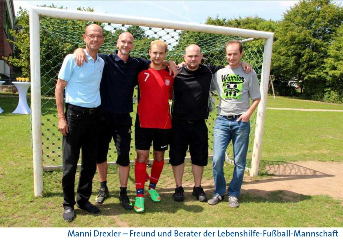 Manni Drexler (links im Bild) war Personal Trainer für den Auswahlspieler Marcel Schüttauf - hier mit der Trainerriege der Moritzberg-Werkstätten.