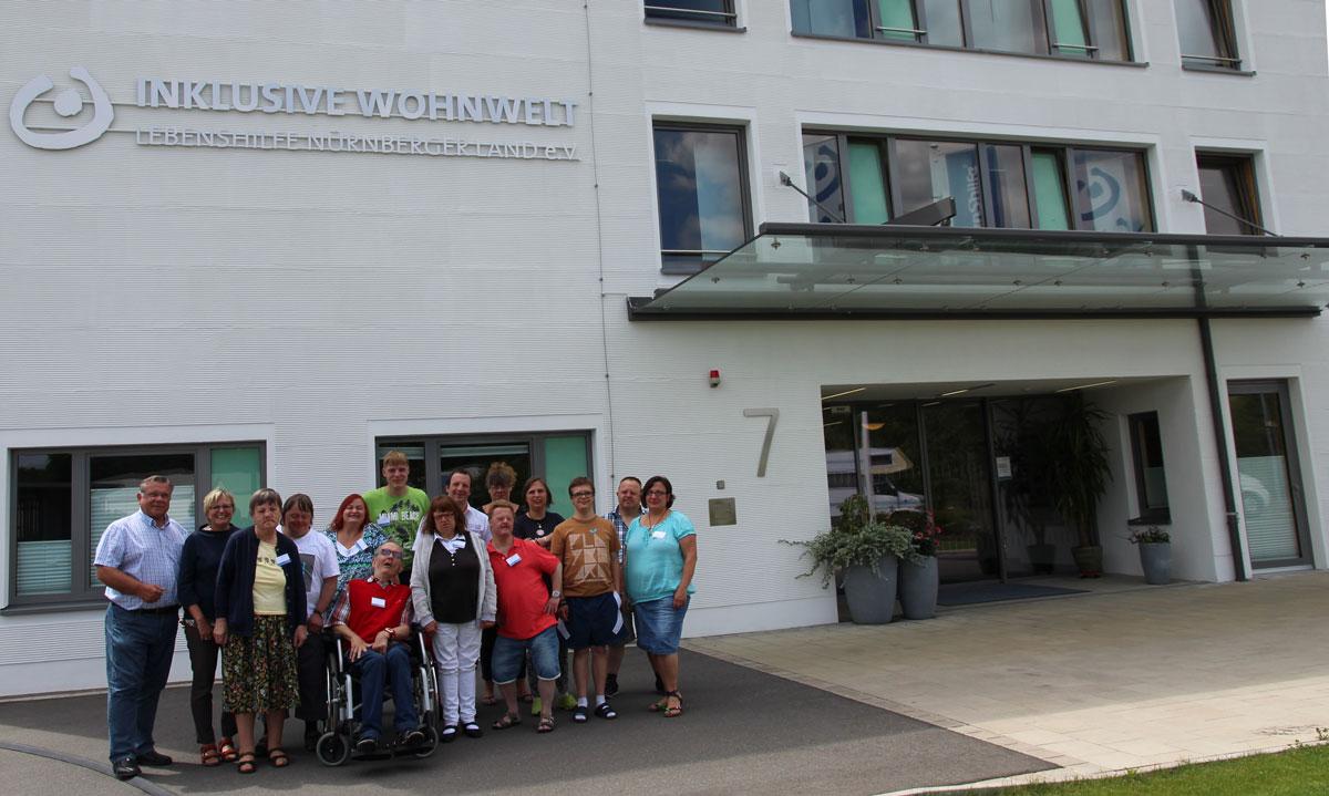 Lebenshilfe-Chef freut sich über selbstbewusste Entwicklung der Betreuten und dankte der Dozentiin der Lebenshilfe Bayern für die interessante Fortbildung.