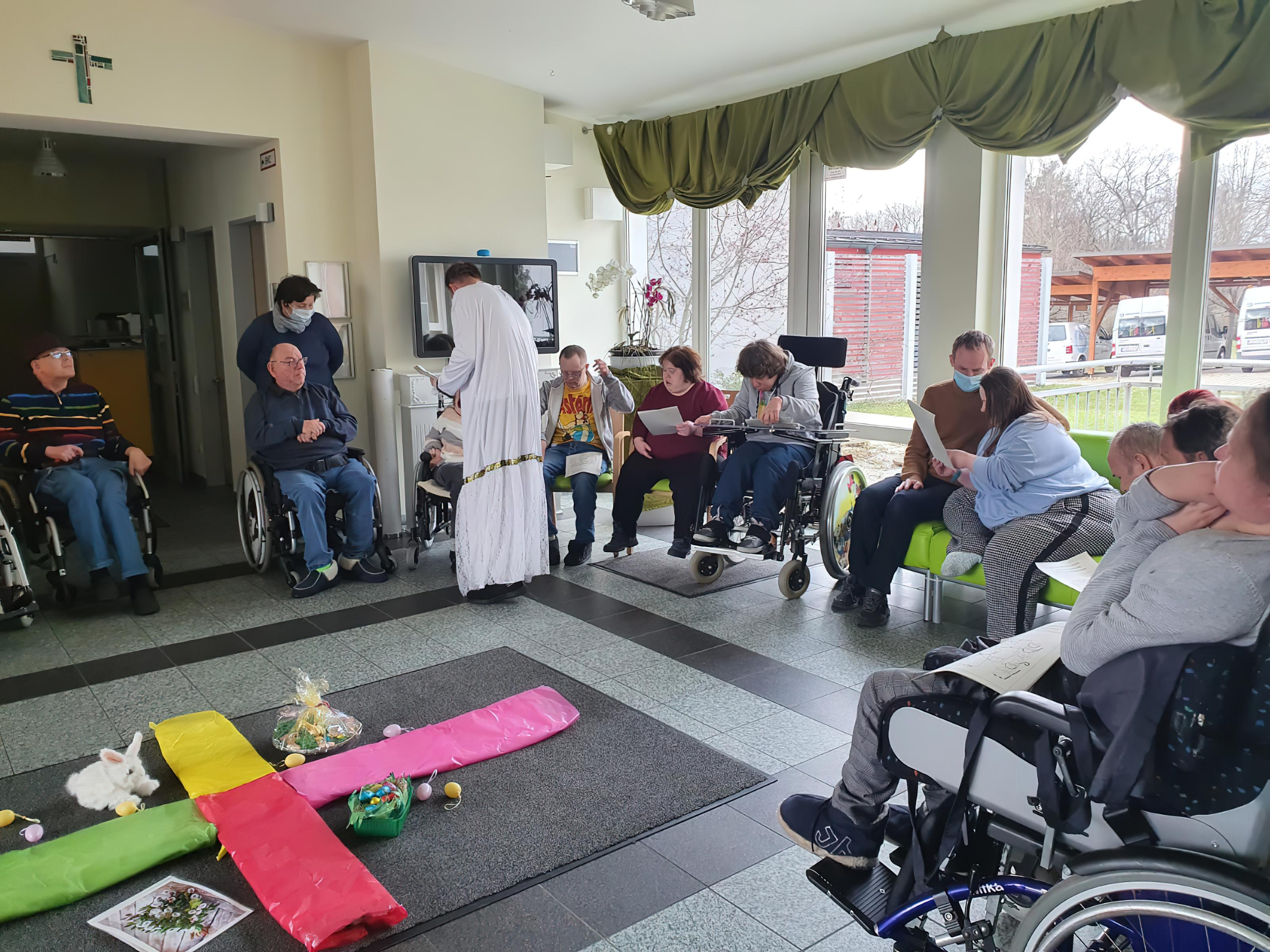 Frühling und Gebete im Mittelpunkt - Hausgemeinschaft feierte Gottesdienst.