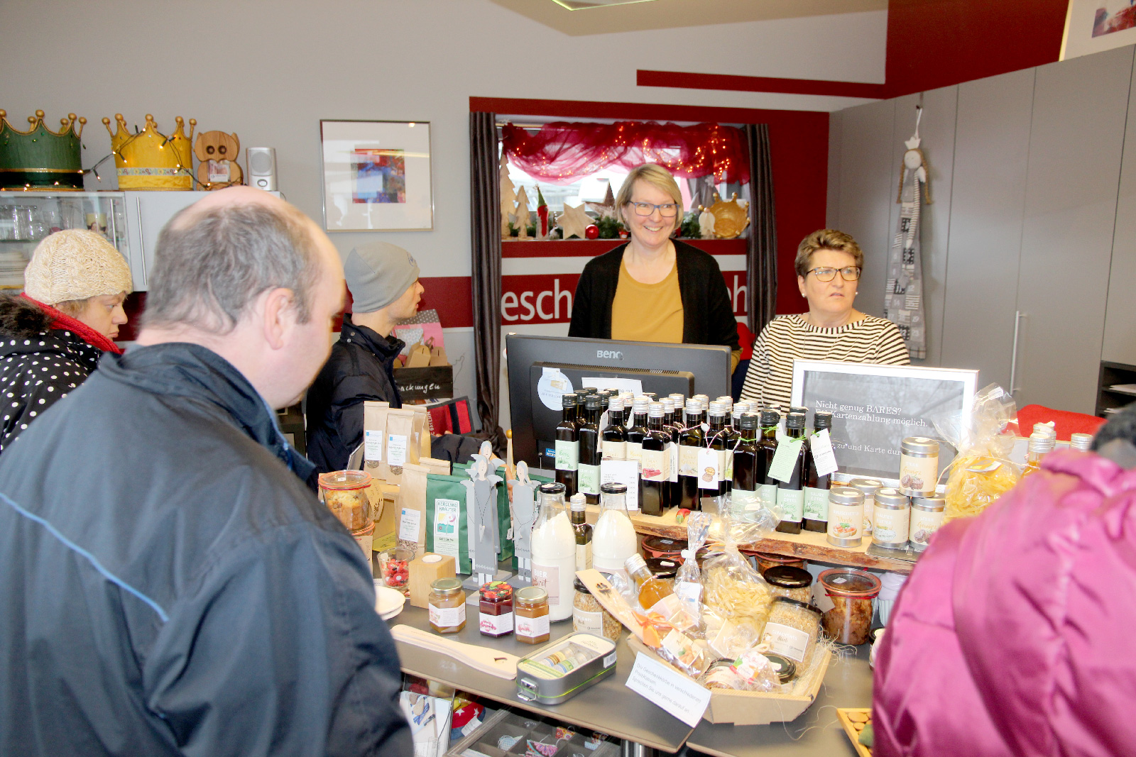 Gut besucht: Beim Einkaufssamstag der Moritzberg-Werkstätten, eine Woche vor dem ersten Advent, waren die Besucher in Kauflaune.